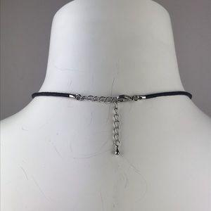 Solvar Jewelry - Solvar Clover Cord Neclace